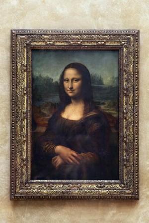 Mona Lisa lui Leonardo da Vinci la muzeul Luvru din Paris