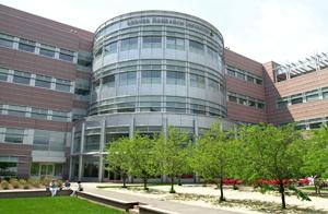 Cardiologul sef al Clinicii din Cleveland avertizeaza doctorii sa nu adopte prea devreme tehnologiile noi.