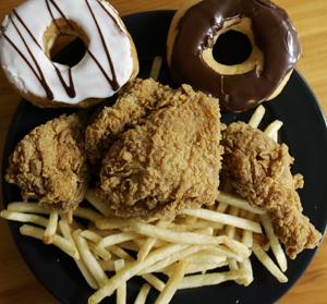 Desi grasimile trans au disparut din multe alimente, sunt grasimile folosite acum la gatit mai rel?
