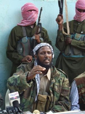 Mukhtar Robow, un purtator de cuvint al militantilor Shebab ia cuvintul in timpul unei conferinte de presa in Mogadishu pe 27 octombrie 2008.