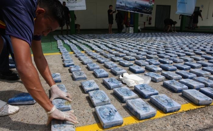 Cocaina capturata - 1,2 tone - 12 septembrie 2010 in Cartagena, Columbia. AFP PHOTO/STR