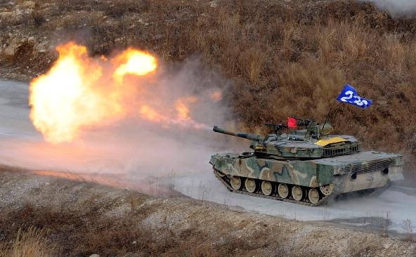 Armata sud coreeana efectuand manevre cu minitie de razboi la 25 km de granita Nordului comunist in Pocheon