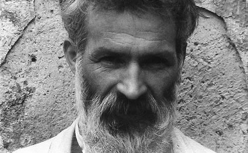 Sculptorul Constantin Brancusi.