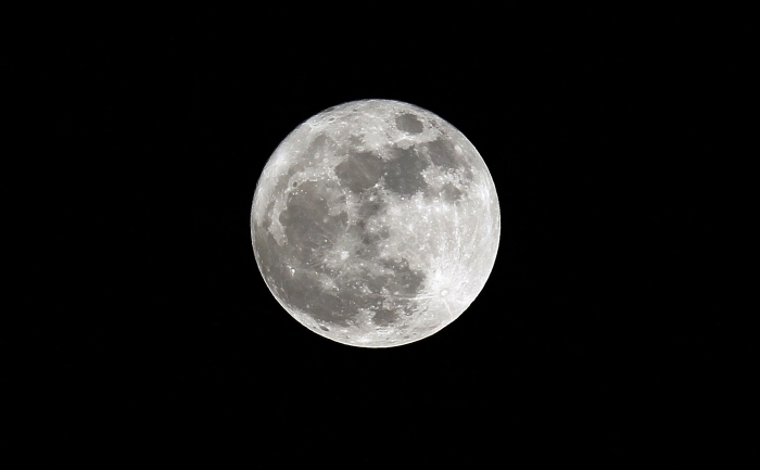 Fenomenul de Super Luna, 19 martie 2011. Priveliste din Madrid, Spania