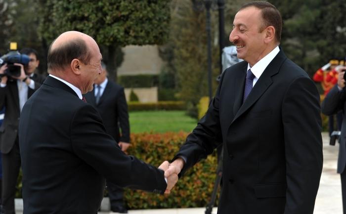 Preşedintele Traian Băsescu si omologul său azer, Ilham Aliyev