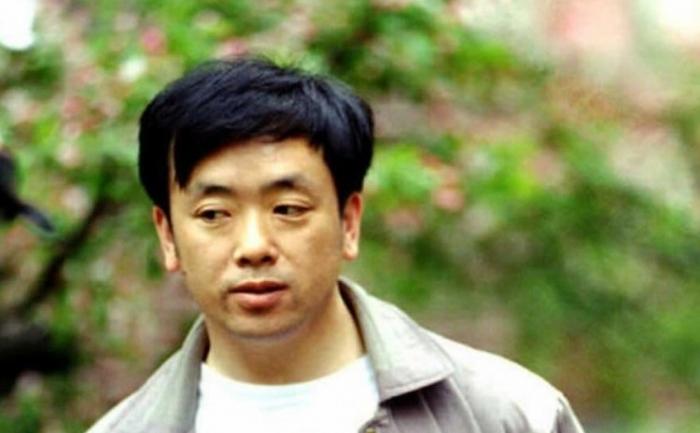 Dizidentul chinez Liu Gang (arhiva) in Cambridge,  Massachusets., imediat dupa ce a primit permisul de sedere in SUA. Liu a primit o sentinta de sase ani de puscarie pentru ca a indraznit sa ceara un regim democratic in China, fiind unul dintre participantii la demonstratiile din Piata Tiananmen in 1989