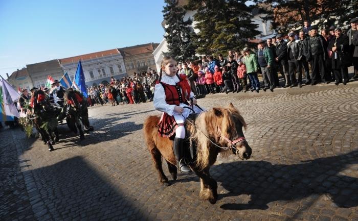 Sarbatoarea maghiarilor din Targu Secuiesc, care au celebrat Revolutia Maghiara dela 1848