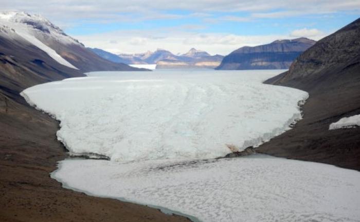 O vedere generală a regiunii Valea-Seacă. Există un interes în creştere pentru Antarctica de catre ţările care doresc minerale şi alte resurse