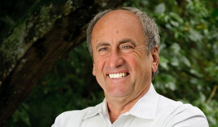 Dr. Schneider a ajutat numerosi oameni sa-si imbunatateasca vederea