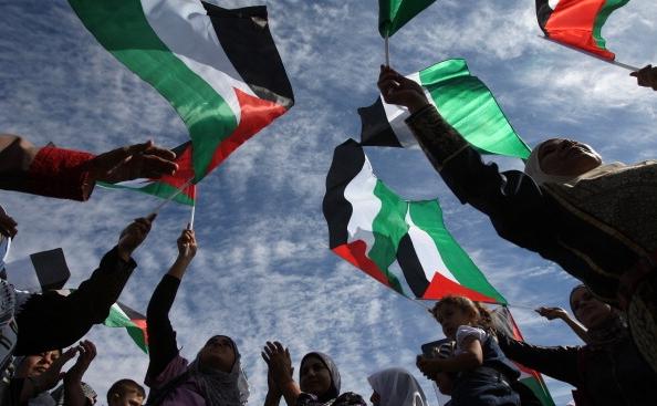 Steagul verde Hamas flutură la Ramallah, capitala administrativă a Autorităţii Palestina