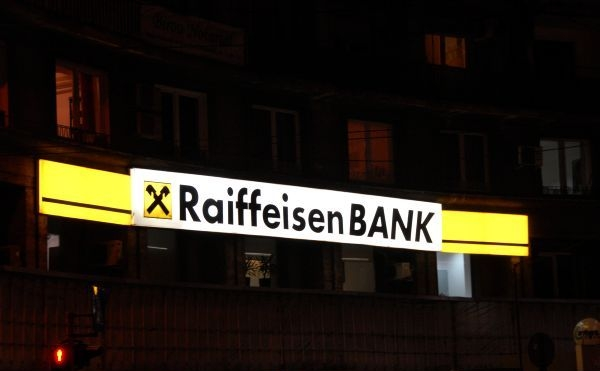 Sigla Raiffeisen Bank.