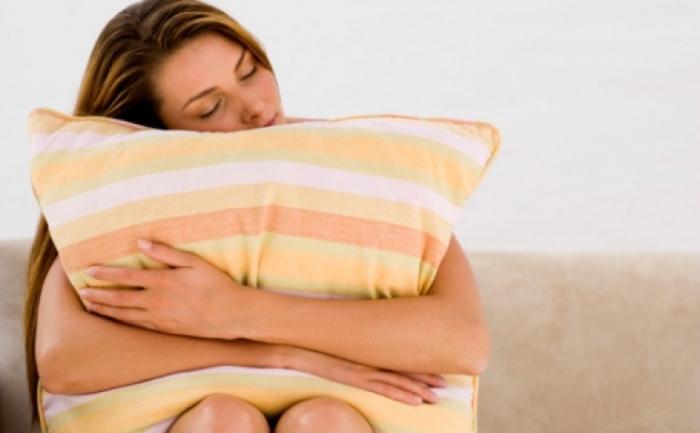 Singuratatea este mai strâns asociata cu calitatea relatiilor decat cu numarul lor, şi poate duce la somn agitat.