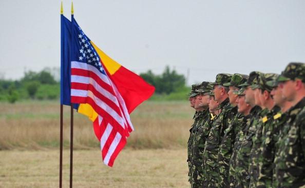 Personalul armatei române in baza de la Deveselu