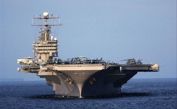 Portavionul american, USS Abraham Lincoln.