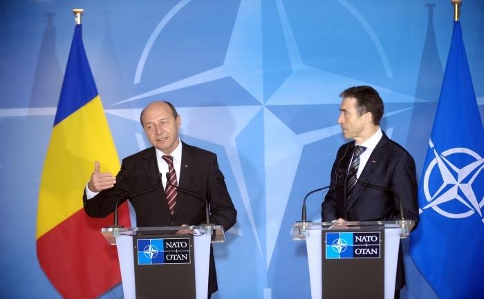 Întrevederea preşedintelui Traian Băsescu cu secretarul general al Alianţei Nord-Atlantice, Anders Fogh Rasmussen, la sediul NATO din Bruxelles, 30 ian 2012.