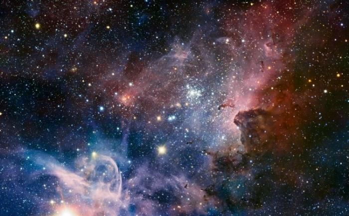 Nebuloasa Carina Nebula, o regiune masivă de stele în formare, fotografiată în infraroşu cu ajutorul camerei HAWK-I a telescopului VLT ESO.
