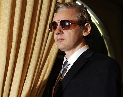 Fondatorul Wikileaks, Julian Assange, este văzut la o conferinţă de presă la Geneva, pe 4 noiembrie, 2010.
