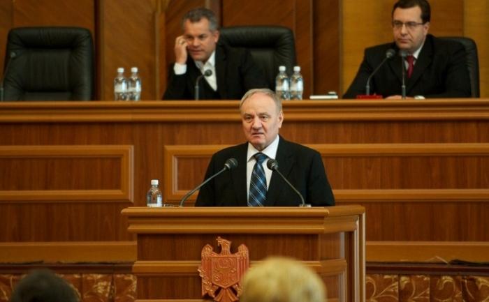 Nicolae Timofti noul preşedinte ales al R. Moldova.