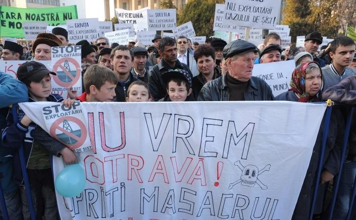 Demonstraţii în Bârlad, împotriva exploatării gazelor de şist, 22 martie 2012