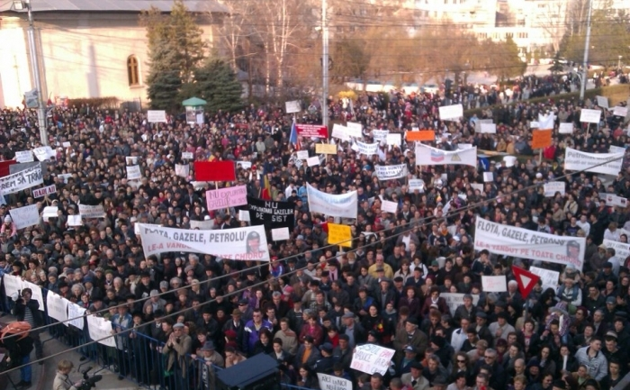 Mii de barladeni protesteaza impotriva exploatarii gazelor de sist.
