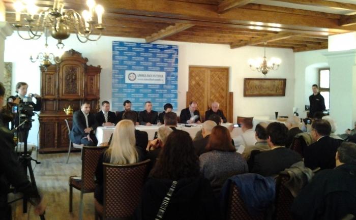 Imagine de la Conferinta de presa organizata de Consilul Unirii la Hanul lui Manuc, Bucuresti