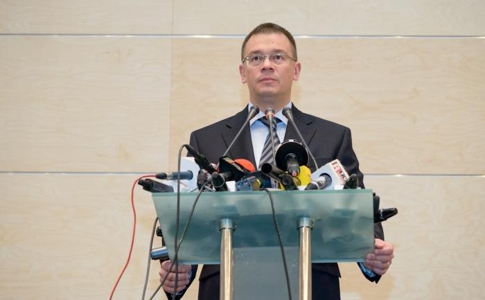 Pirmul ministru Mihai Răzvan Ungureanu ţine un discurs la deschiderea noului sediu al Bibliotecii Naţionale a României.