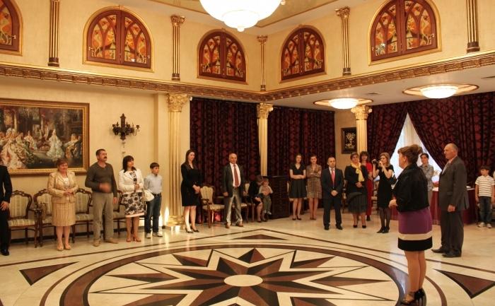 Serbarea Zilei Internaţionale Falun Dafa la Chişinău, 14 mai 2012