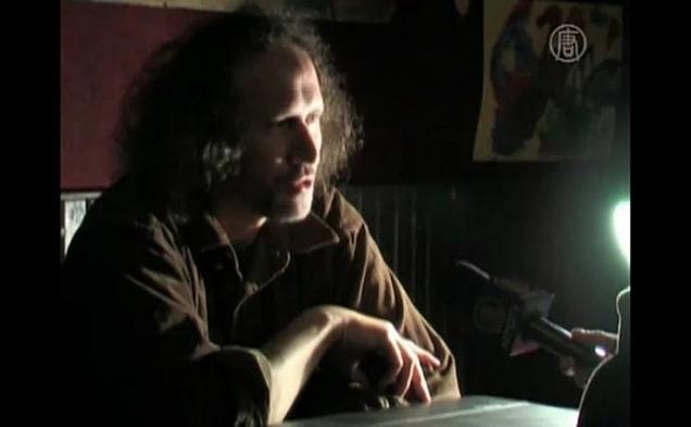 Petr Placak, dizident, scriitor şi muzician ceh, care a fost violent bătut de agenţii secreţi cehi în iunie 1989 pe timpul regimului comunist. Pe 15 mai 2012, torţionarii săi au fost condamnaţi la Praga