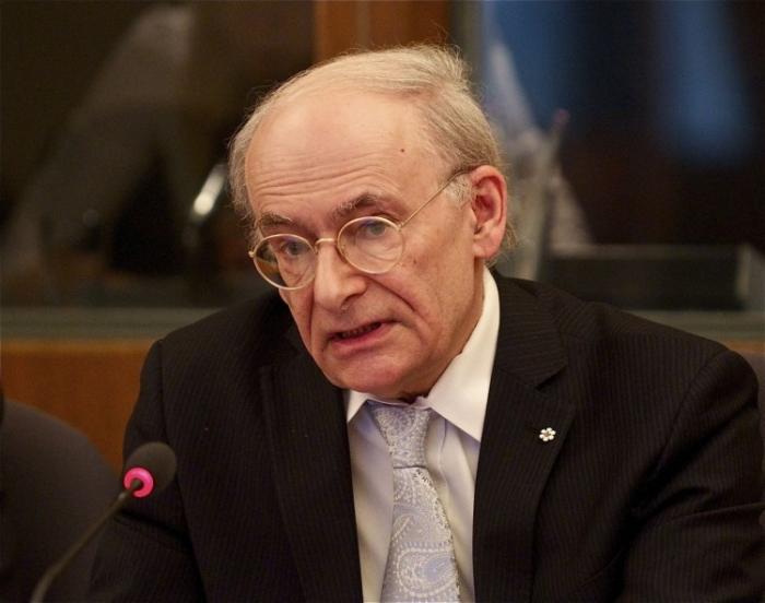 David Matas, avocat canadian de drepturile omului nominalizat pentru Preminul Nobel pentru Pace.