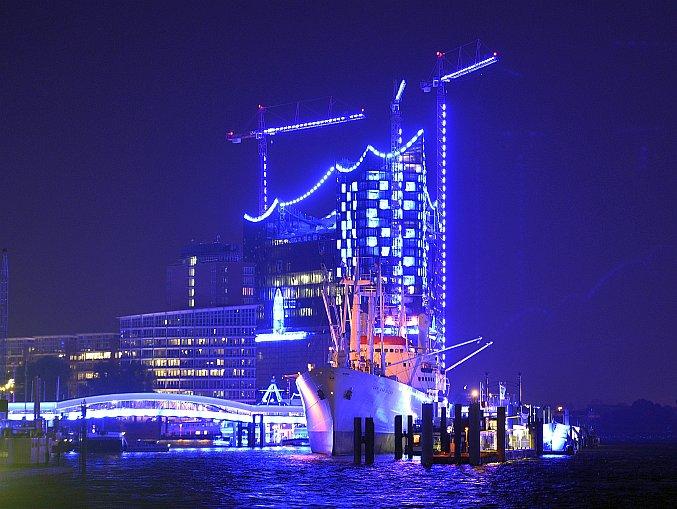 Vapoare în portul Hamburg