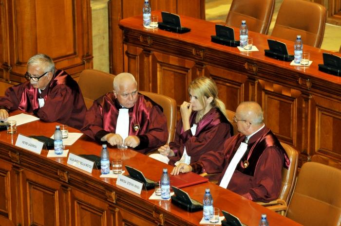 Curtea Constituţională în Parlamentul României