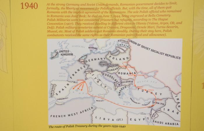 """Hartă ce ilustrează traseul aurului polonez, afişată în cadrul simpozionului """"Salvarea aurului polonez"""" găzduit de BNR, 14 septembrie"""