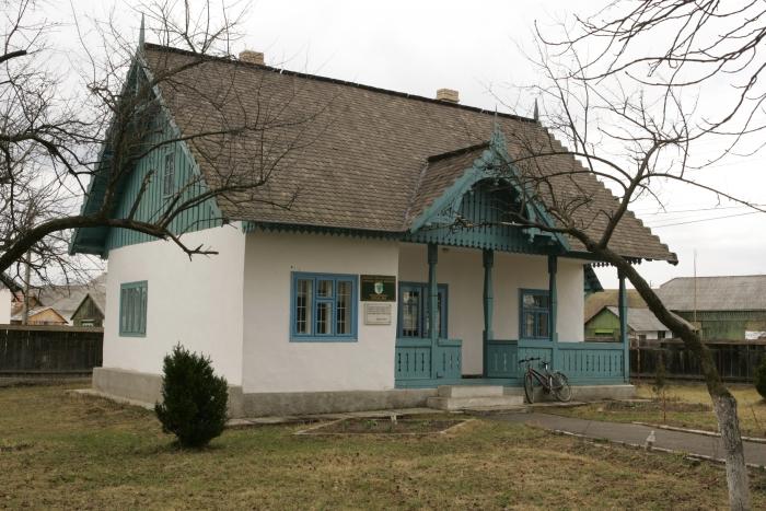 Casa memorială Nicolae Labiş, comuna Mălin, judeţul Suceava