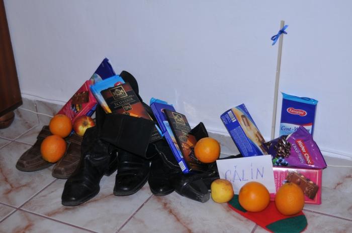 Cadouri de Moş Nicolae în pantofi