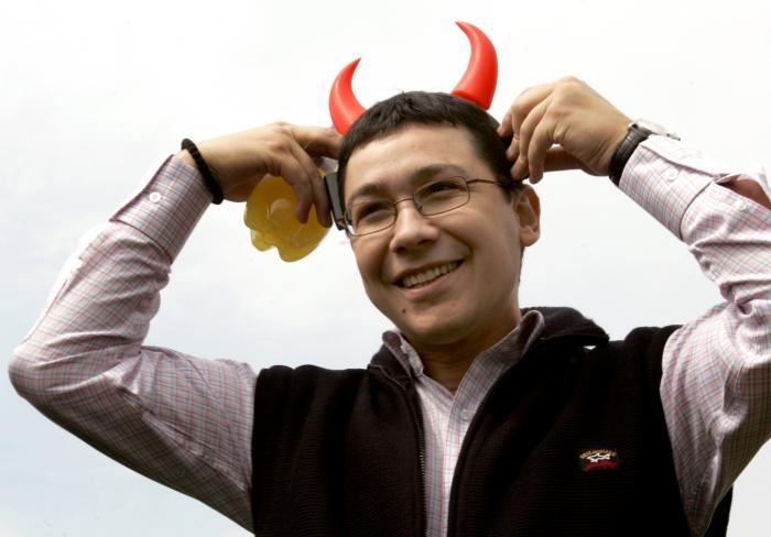Retrospectivă Epoch Times 2012: instantanee cu membri USL. Victor Ponta