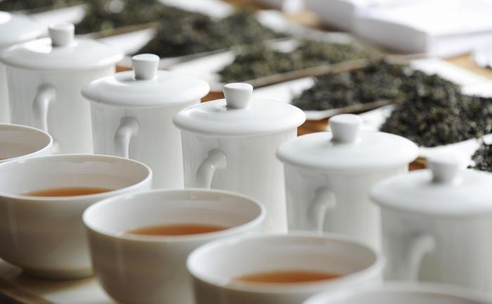 Diverse arome de ceai sunt expuse în timpul unei degustări de ceai.