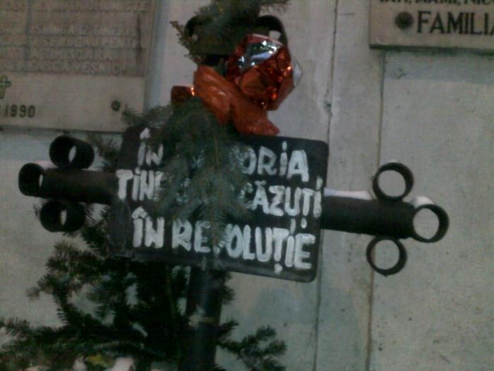 Monumentul de la Dalles în memoria tinerilor ucişi în decembrie 1989