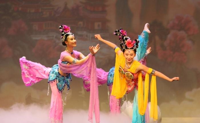 Scenă din spectacolul Shen Yun