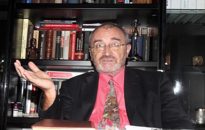 Prof. Dr. Ioan Lascăr