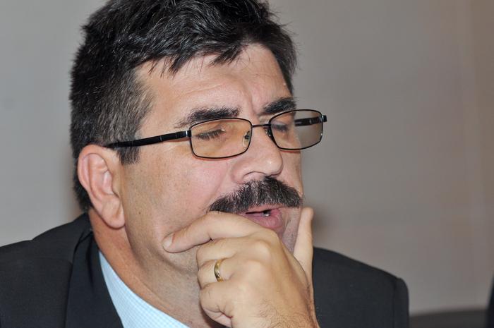 Ministerul Economiei, conferinţă de presă susţinută de ministrul delegat  pentru Energie, Constantin Niţă. În imagine, Laurenţiu Ciurel, dir. la  Complexul Energetic Oltenia