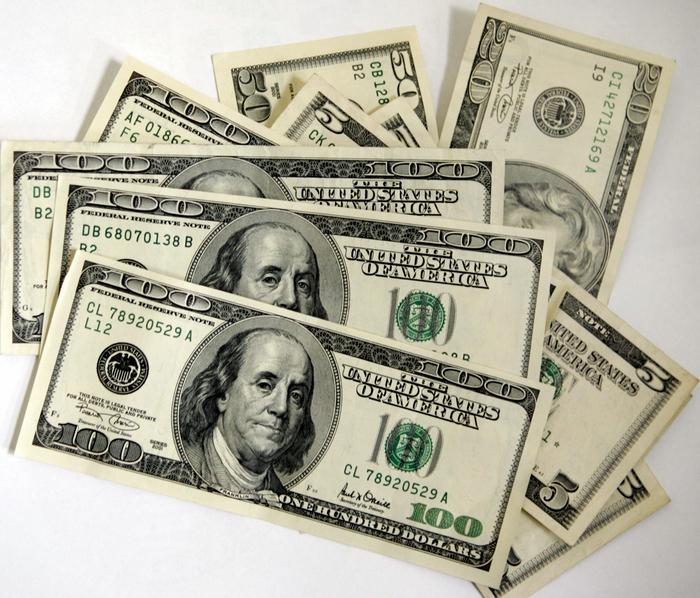 Dolari, valută, bani