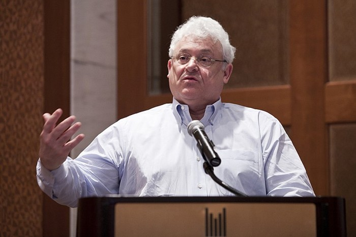 Arthur Caplan, profesor universitar, şef al diviziei de Bioetica la NYU Langone Medical Center ţine un discurs despre traficul de organe la hotelul Plaza ONU în New York, 14 februarie 2013.