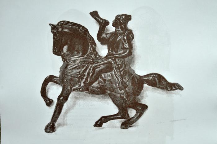 Statuetă de bronz aurit reprezentându-l pe Zalmoxis