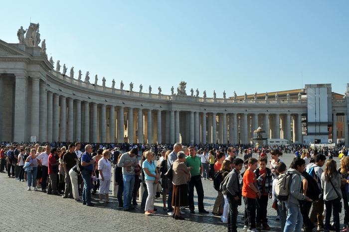 Piaţa Vaticanului din Roma