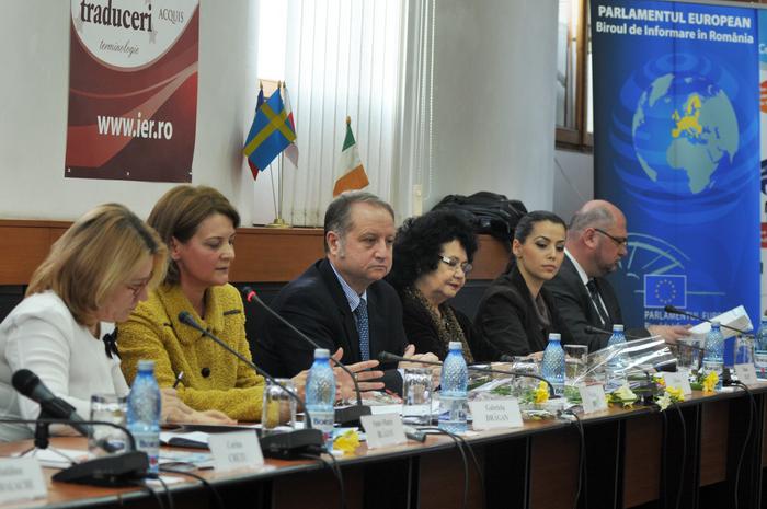 """Institutul European din România, dezbateri cu tema: """" Egalitatea de gen-garanţia creşterii economice şi al unei societăţi durabile"""""""