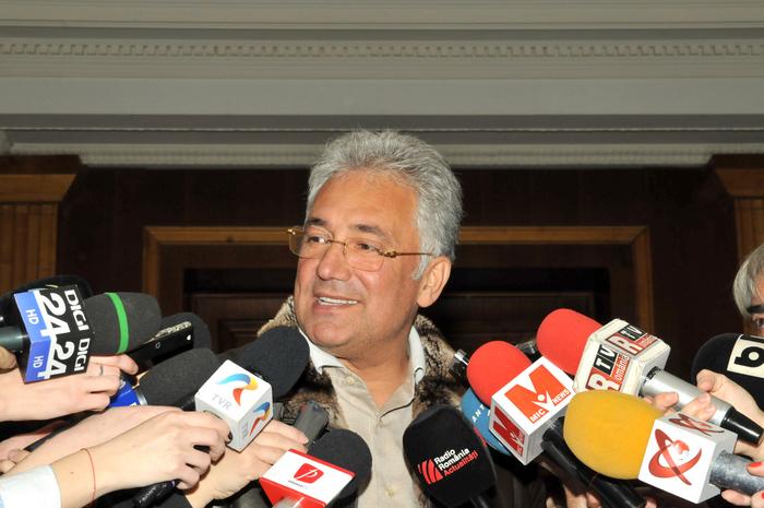 Colegiul Naţional Director PDL. În imagine, Adriean Videanu, declaraţii de presă
