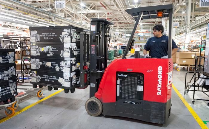 Fabrica BMW Group din Spartanburg, utilaje cu pile de combustie