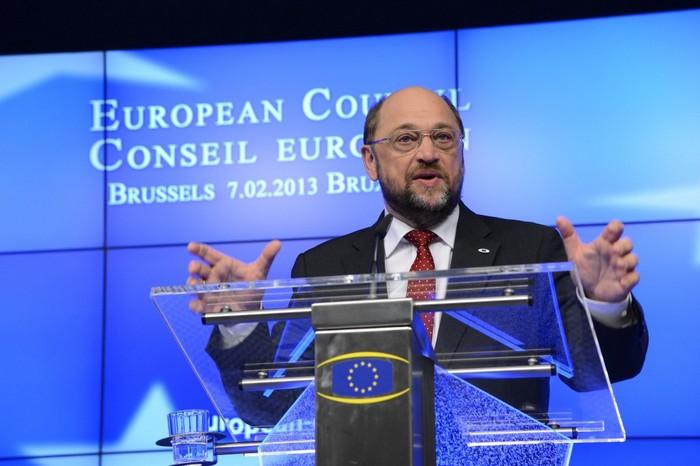 Preşedintele Parlamentului European, Martin Schulz, vorbeşte în timpul unei conferinţe de presă la sediul UE de la Bruxelles, la 7 februarie 2013. Schulz a vorbit recent cu The Epoch Times cu privire la problemele de drepturile omului şi alte probleme legate de China contemporană.