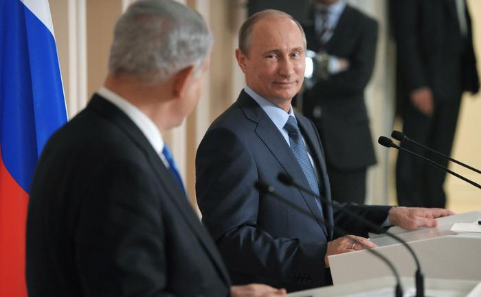 Vladimir Putin, împreună cu premierul israelian Benjamin Netanyahu, Soci, 14 mai 2013