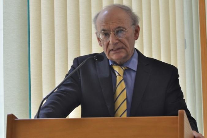 """Nominalizatul la Premiul Nobel pentru Pace, David Matas, vorbeşte la lansarea cărţii sale """"State Organs"""" în Australia"""